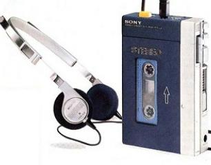 Le géant de l'électronique grand public japonais Sony a confirmé lundi l'arrêt de la vente des baladeurs à cassette magnétique Walkman au Japon, 31 ans après la sortie du premier modèle de cet appareil révolutionnaire. Qualifié par Sony de «produit du siècle», le Walkman à cassette, fabriqué en Chine, restera néanmoins commercialisé à l'étranger, a […]