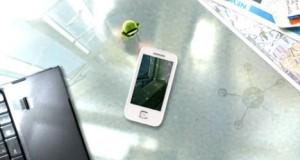 Alors que le Galaxy Player YP-G50 n'a pas encore été annoncé officiellement par Samsung, une vidéo publicitaire circule déjà sur Youtube. Pour rappel, ce PMP dispose d'un écran tactile de 3,2″, d'un APN de 2Mpx, du Wifi, de 8 ou 16go ainsi que d'un GPS et tourne sous Android 2.1. Vidéo dans la suite de l'article.