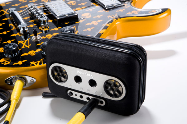 Il est difficile de dire quel est la fonction principale de ses iMainGo X, rendre hommage aux Walkman dont la fabrication vient d'être arrêté, servir de protection pour vos Ipods (sauf shuffle), Iphone, Ipod Touch et la plupart des lecteurs MP3, servir d'amplificateur ou tout simplement d'enceintes portables avec son haut parleurs stéréo. Cette protection […]