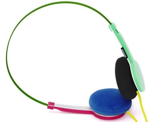 Marre des coloris gris/noir/blanc des casques, envie d'avoir un casque original et coloré ? UrbanEars résoud votre problème en proposant des casques de toutes les couleurs : les Tanto. Du coté des spécifications techniques ont à une réponse en fréquence de 20kHz, une impédance de 32 ohms, une sensibilité de 112 dB et une puissance […]