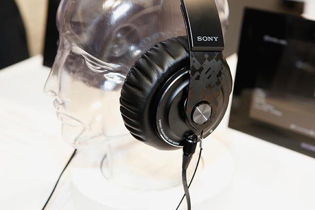 Sony-MDR-XB1000-headphones