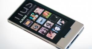 Microsoft vient d'annoncer aujourd'hui et pour la première fois la commercialisation du Zune HD hors des USA. Il sera désormais disponible au Canada… Le baladeur est vendu 170$ en version 16Go et 200$ en version 32Go. Cela arrive bien trop tard, dans un monde numérique ou le Zune HD est pratiquement obsolète et Microsoft se concentre pleinement sur son systeme Windows Phone 7, il est peu probable que le Zune […]
