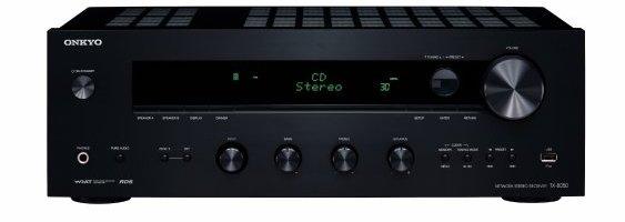 Onkyo, marque japnoaise signifiant «harmonie musicale», nous propose 3 produits : 2 tuner hifi , leTX-8050 et TX-8030; ainsi qu'une platine cd, le CD-7030. Les 2 tuners captent la FM dont le signal est amplifié grâce à une puce «WRAT» pour ensuite être redistribué en130W sur 2 canaux. Au niveau des entrées, les tuners sont […]