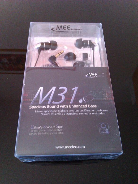 Le M31 est un écouteur de type semi-intra-auriculaire de la marque Meelectronics, Meelectronics est une entreprise américaine qui est principalement connue pour ses intra M6 d'un très bon rapport qualité-prix.