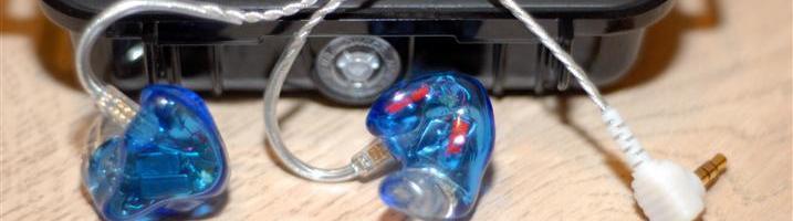 Feedback et test de Mihmoh (merci à lui) Voici enfin rédigé mon Feedback des 1964-Q C'est une société toute récente qui s'est lancée dans la fabrication d'écouteurs personnalisés. . 1964 Ears fabrique aussi des embouts personnalisés, des bouchons d'oreille, des oreillettes bluetooth et propose même un système de moulage d'intras universels.