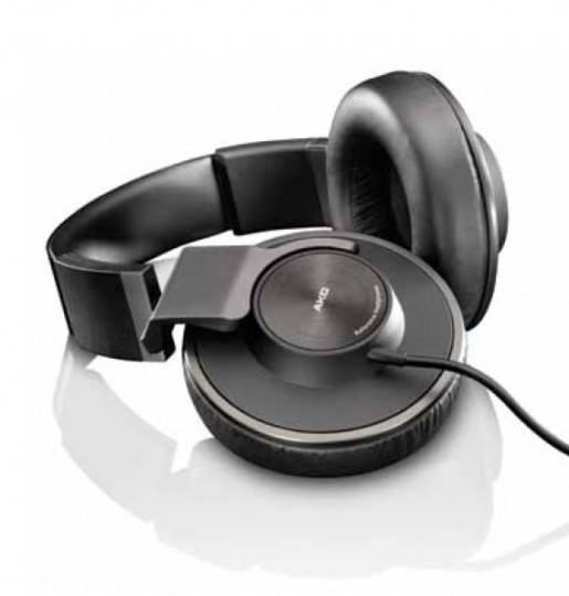 Un nouveau casque vient enrichir la gamme «HOME» chez AKG : Placé dans le segment haut de gamme (Reference-Class Hi-Fi Headphones), le K550 est un casque de type fermé, avec une réponse en fréquence de 14hz-28khz, une impédance de 32 Ohms et une sensibilité de 114 dB/mW.