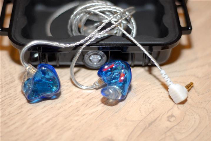 Après Mimoh qui nous avait offert un feedback du 1964-Q c'est au tour de Nanotechnos de nous donnez son avis via ce test sur ces écouteurs via son test. A lire dans le Labo ICI
