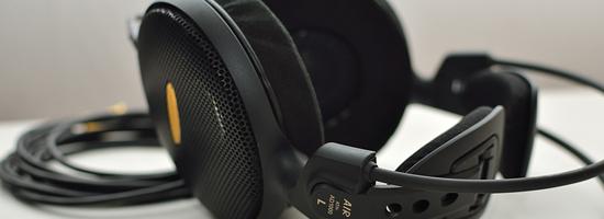 Casque ouvert relativement haut de gamme de chez Audio-Technica, l'ATH-AD1000 est un modèle particulièrement intéressant que tout amateur de musique devrait avoir la chance d'auditionner au moins une fois dans de bonnes conditions. Si son tarif est relativement élevé pour un modèle à transducteurs dynamiques, les performances proposées en retour sont à la hauteur de […]
