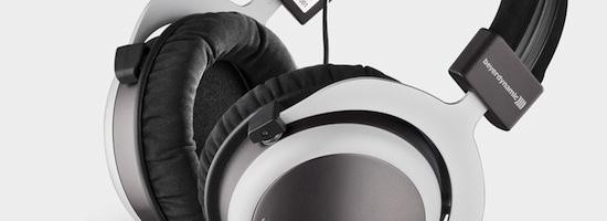Le T70 de beyer dynamic est un casque fermé circum-aural qui vue sa taille et son poids ne sera pas des plus aisé à utiliser en nomade. Teuton jusqu'au bout des pads, il respire la solidité. Mais qu'en est il des ses qualités sonores ? Réponse ici au travers du feedback réalisé avec soin par […]
