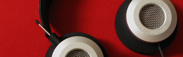 «Même si le PS1000 ne déroge pas aux « canons de beauté » de la célèbre marque américaine, il m'impressionne un tantinet par son aspect et ses teintes, dégageant en quelque sorte une aura de force brute que les courbes de ses écouteurs et pads ne parviennent pas à estomper. Comparé au PS1000, le HD […]