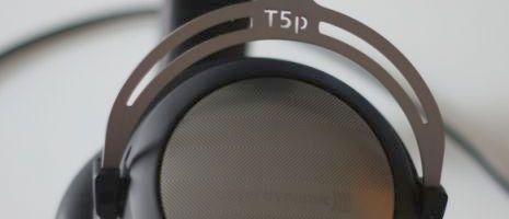 Présenté comme un casque nomade haut de gamme par le constructeur allemand, le Beyerdynamic T5P affiche des prestations qui le destinent également au monde sédentaire. Il bénéficie de la technologie Tesla, ainsi que d'un rendement très élevé grâce à ces 126 dB de puissance…