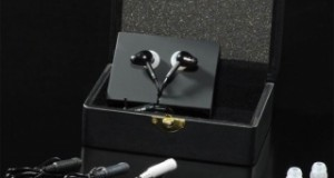 Dans la gamme Hifiman, les RE-262 se situent au même niveau que les RE-272, mais selon le constructeur, si ces derniers sont destinés aux amateurs de sonorités analytiques, les RE-262 privilégieraient une écoute plus musicale et plus chaude…