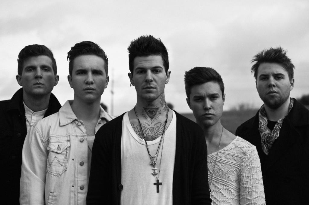 The Neightbourhoodest un groupe de rock alternatif basé en Californie qui s'est formé en Août 2011. Le groupe est composé du chanteur Jesse Rutherford, guitaristes Jeremy Freedman et Zach Abels, le bassiste Mikey Margott et le batteur Bryan Sammis.