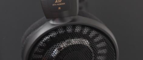 Dans la continuité de la gamme AD, l'Audio-Technica AD900X est un casque ouvert de la dernière série lancée par le groupe Japonais Audio-Technica. Mon exemplaire de test provient d'amazon.jp. Lors d'un passage au «Parisian store» d'Audio-Technica (11, rue des pyramides) j'avais discuté avec le distributeur, très sympa au passage, qui m'avait alors permis d'écouter la […]
