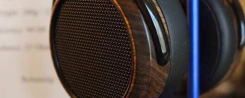 Le Dr Fang Bian, CEO de la socité Hifiman bien connue pour sa production de produits audiophiles haut de gamme à tarif accessible vient de révéler le renouvellement de deux des produits phares de sa gamme. En effet sont annoncés deux nouveaux modèles de casques Ortho-dynamiques, les HE-400i et HE-560 amenés à remplacer les HE-400 […]