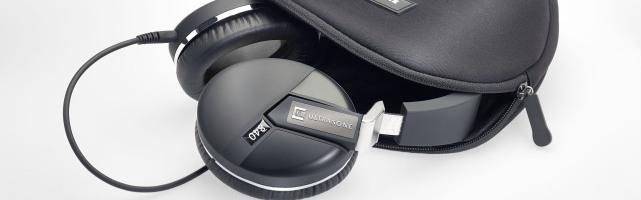 La newsletter TellementNomade.org est de retour ! Au menu cette semaine : Ultrasone dévoile une nouvelle gamme de casques audio et étoffe son milieu de gamme, Earsonics « tease » généreusement autour de la sortie programmée de sa dernière merveille, tandis qu'Apple donne le coup de grâce à une légende du baladeur audio.