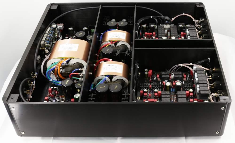 intérieur HE-9 (source : audio-gd)