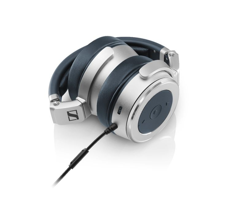 sennheiser-hd630vb-closed-back-headphones-1
