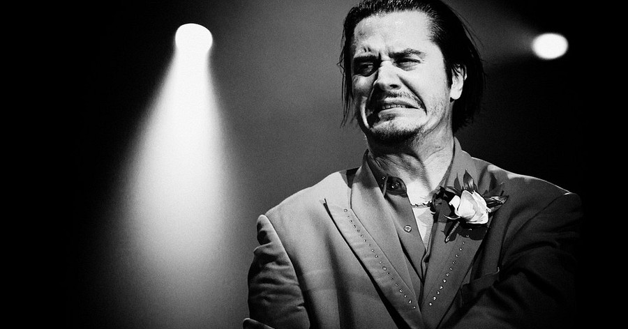 mike-patton-faith-no-more-reading-festival-august-2009-c-al-de-perez-900x472