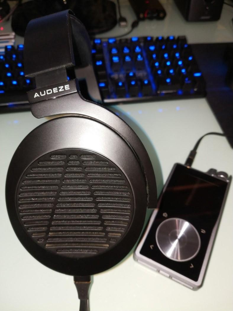 Ecoute du Audeze EL-8